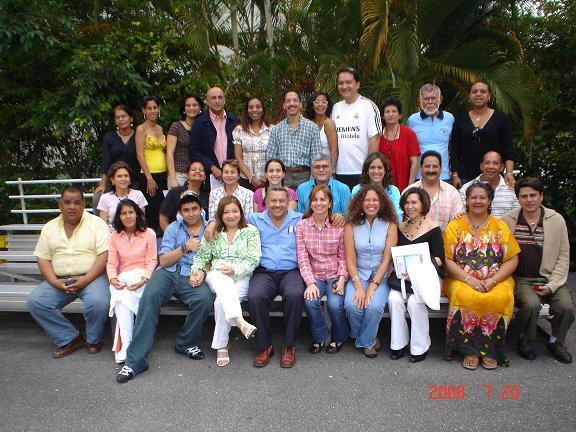 grupo-asistentes-seminario-de-apiterapia