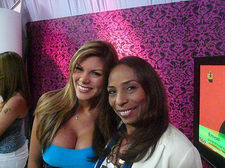 Sifu Soledad Yriza con Presentadora Canal i