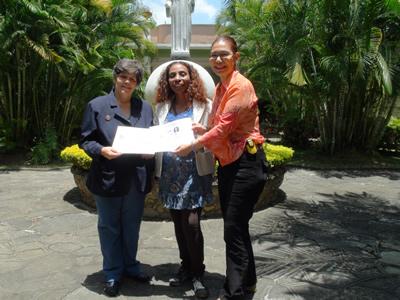 La Sifu Soledad Yriza recibe su Diploma como Miembro Activo de la Federación Venezolana de Medicinas Tradicionales y Terapias Complementarias